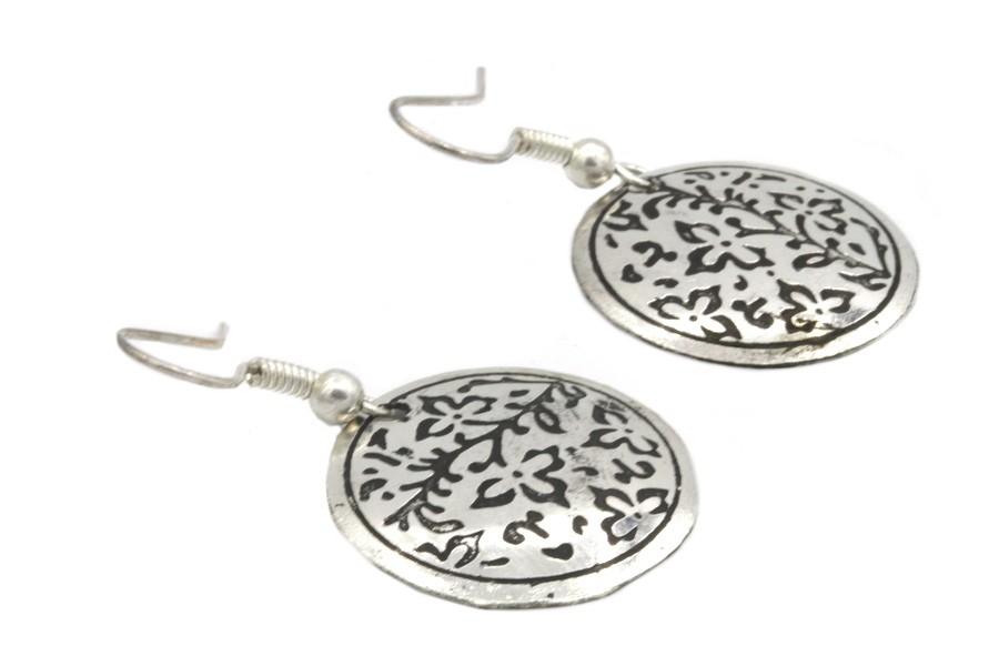 boucles d 39 oreilles style motifs indiennes fleurs argent. Black Bedroom Furniture Sets. Home Design Ideas