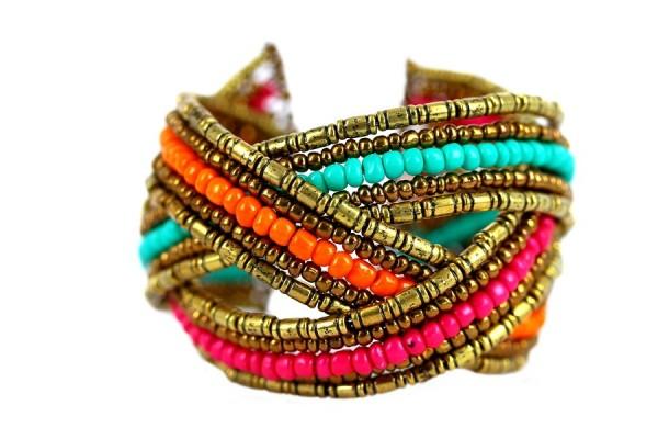 Bracelet manchette doré avec perles colorées