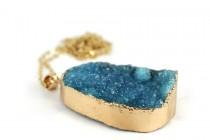 Collier pierre de roche  minérale naturelle
