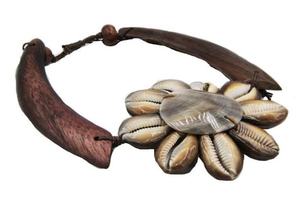 Collier en coquillage