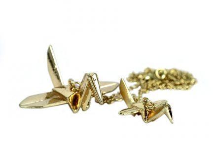 Bijoux collier doré cygne japonais