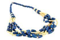 Collier bleu marine électrique