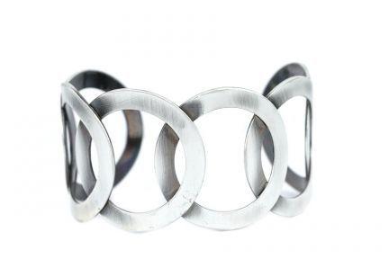 Bracelet anneaux agent entrelacés