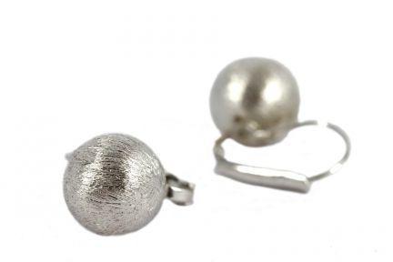 Boucles d'oreilles boule rondes argenté