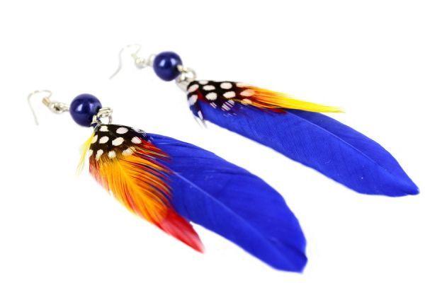 boucles oreilles plumes bleues créateur brésil couleur
