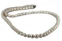 Sautoir en perles blanches