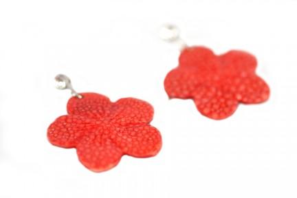 Boucles d'oreilles galuchat corail rouge