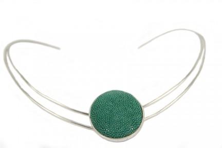 Collier rigide argent avec pendentif