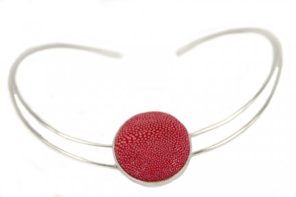Collier galuchat corail rouge argent