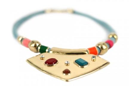 Collier plastron multicolore de style ethnique