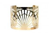 Bracelet manchette ajourée et gravure motifs dorés
