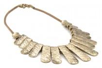 Collier or femme  plastron  large avec baguettes dorées