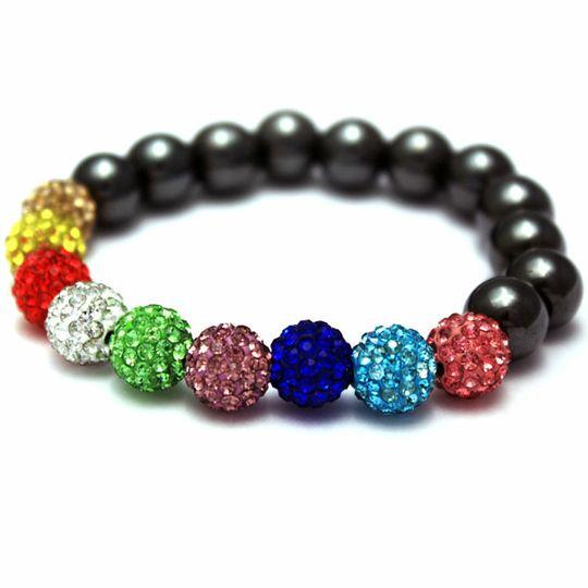 Les couleurs chaudes pour un bracelet shamballa
