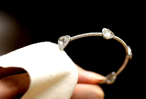 nettoyer-bijoux-rouilles