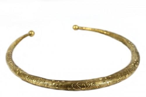 bijoux ethniques primitifs