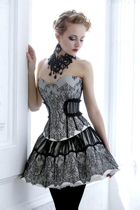 Bustier prom dress