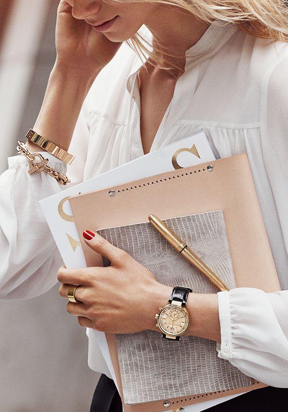 interdiction de porter des bijoux au travail