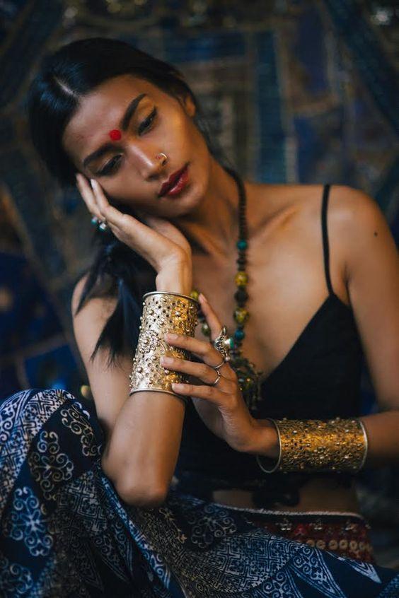 Reconnaître matière bijoux