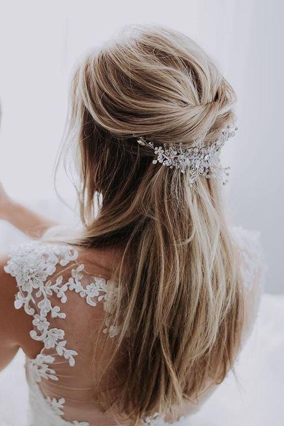 comment porter des bijoux de cheveux pour un mariage. Black Bedroom Furniture Sets. Home Design Ideas